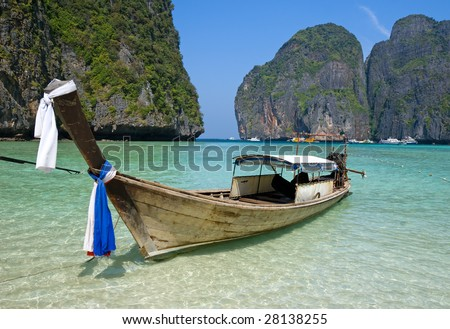 Traditional longtail boat in the famous Maya bay of Phi-phi Leh island, Krabi province, Thailand