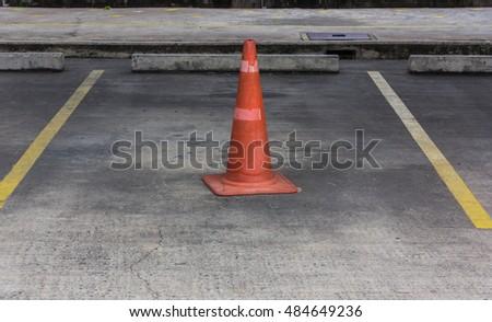 Traffic cone #484649236
