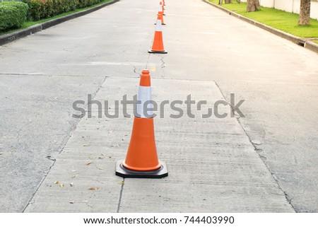 traffic cone #744403990