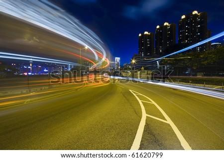 traffic highway in Hong Kong at night .