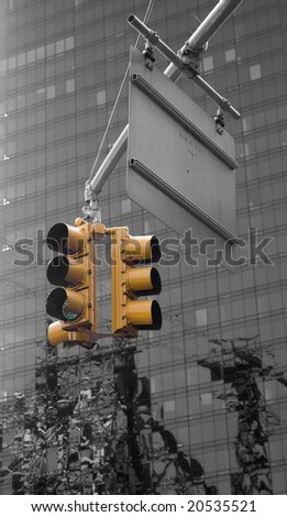 Traffic light at an intersection in new york