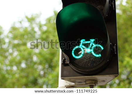 Traffic light for bicycles showing green light