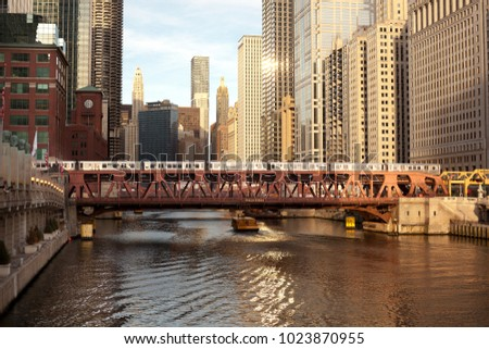 Train over the Chicago River on Wells Street, Chicago, Illinois, USA