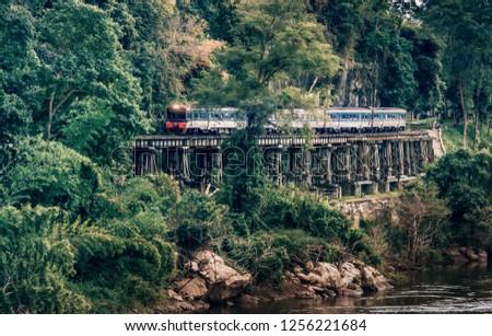 Train rides on Burma railway(The Death-Railway)in Kanchanaburi, Thailand. Foto stock ©