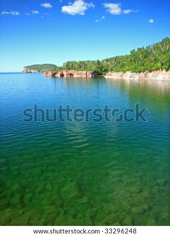 transparent water of lake Superior north shore, Tettegouche state park