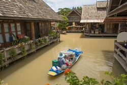 Travel and shopping in Pattaya Floating Market four regions, Thailand.