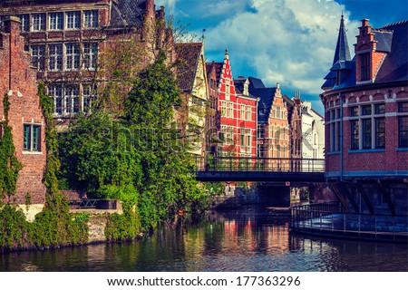 travel belgium medieval...