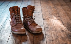 Travel boots, vintage boots, boots, shabby shoes, old shoes, trekking boots