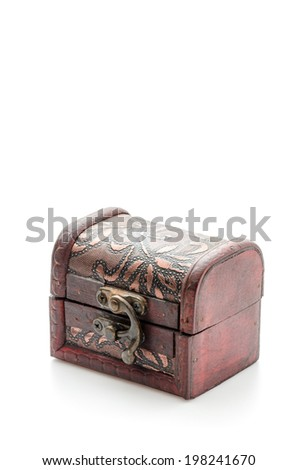 treasure chest isolated on white ez canvas