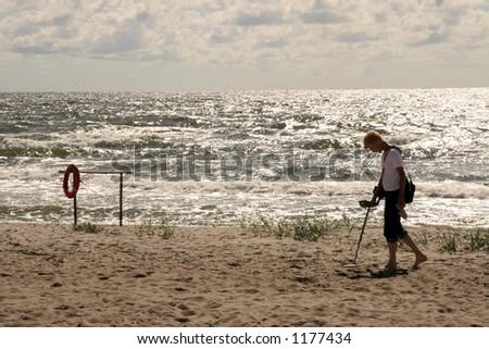 treasure hunt by the sea