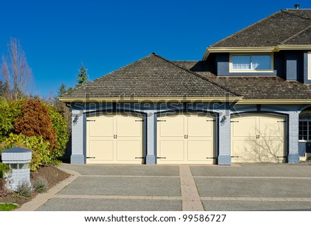 Triple doors garage