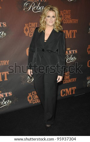 TRISHA YEARWOOD at the first CMT Giants concert honoring country star Reba McEntire, at the Kodak Theatre, Hollywood. October 26, 2006  Los Angeles, CA Picture: Paul Smith / Featureflash