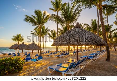 Tropical beach resort at sunrise in Punta Cana, Dominican Republic. Foto stock ©
