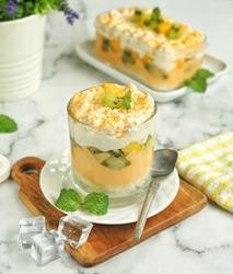 Tropical Dessert Box with mango and kiwi.