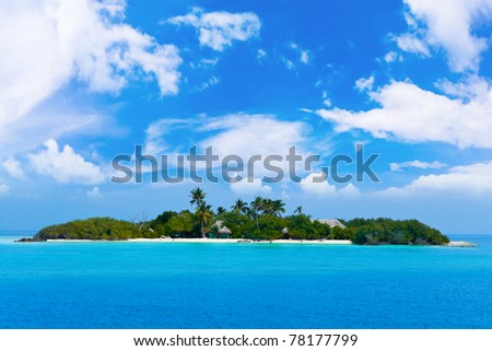Tropical island in ocean - vacation background