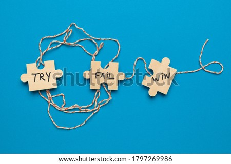 Try - Fail - Success. Purpose and movement to success despite obstacles. Foto stock ©
