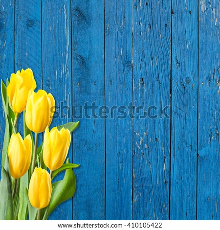 Tulip Flowers On Wooden Backdrop Holiday Wallpaper 410105422