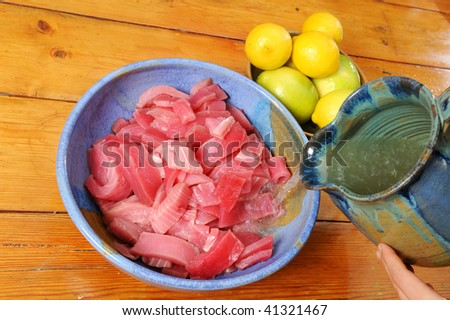 tuna marinated with lemon juice