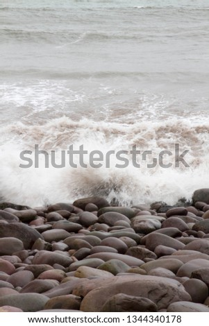 turbulent water ocean rocks