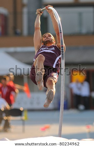 TURIN, ITALY - JUNE 25: PALAZZO Marcello jumps at men's pole vault during the 2011 Summer Track and Field Italian Championship meeting on June 25, 2011 in Turin, Italy.