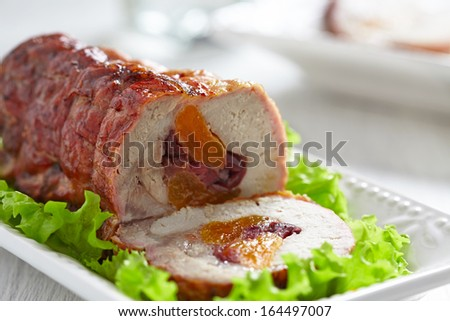 Turkey breast stuffed with apricot and cranberry
