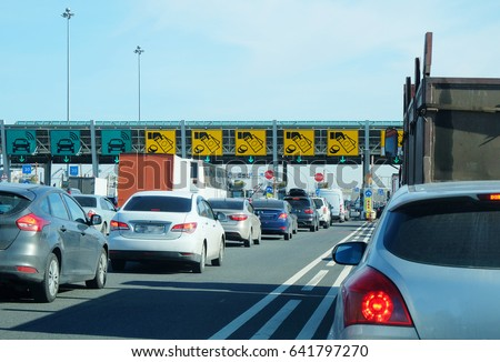 turn before paying the toll roads