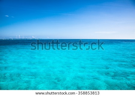 Stock Photo Turquise caribean color water near Isla Mujeres, Mexico.