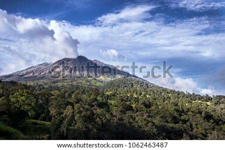 turrialba active volcano
