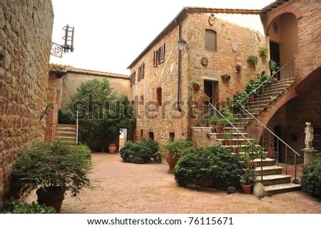Tuscan landhouse, Villa