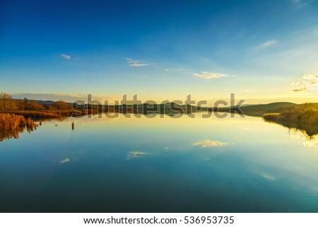 tuscany  santa luce lake...