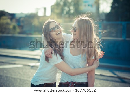 2 Best Friends Hugging images  Hdimagelib
