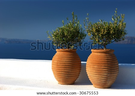 two beauty amphora on the meridian sea horizon