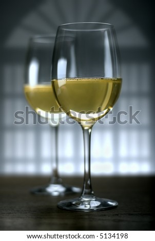 two glasses of white wine close up shoot