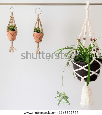 Meadow Plant Hanger with Flower Resin Beads
