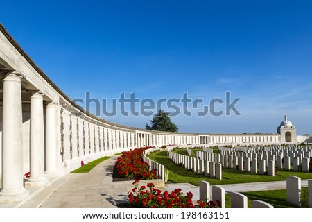 Tyne Cot World War One Cemetery, the largest British War cemetery in the world.  near Ypres, Leper, Flanders, Zonnebeke, Belgium Stock photo ©