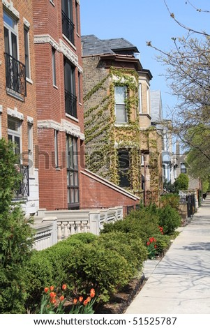 Typical residential neighborhood in Lincoln Park, in Chicago.