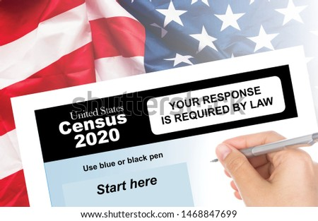 U.S. Census Form 2020 with American Flag Stockfoto ©