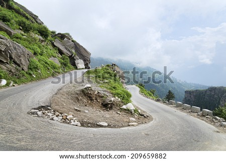 U turn road in Himalayas