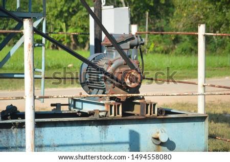 Underground oil drilling machine, oil drilling machine
