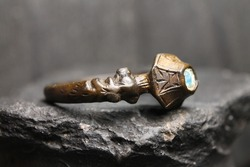 Unique Ancient Bronze Stone Ring, Excavated Artifact, 13th-17th Century AD.