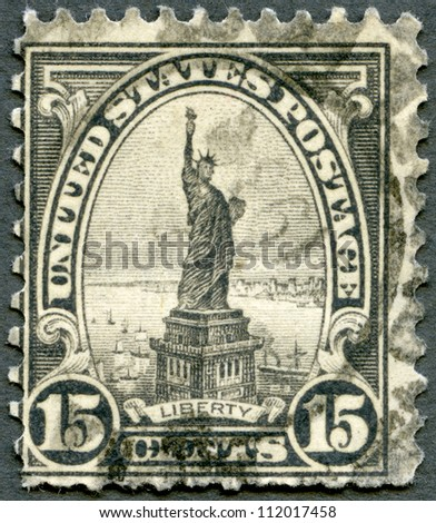 UNITED STATES OF AMERICA - CIRCA 1922: A stamp printed by USA shows Statue of Liberty, circa 1922