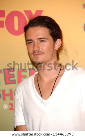 UNIVERSAL CITY - AUGUST 20: Orlando Bloom at the 2006 Teen Choice Awards - Press Room at Gibson Amphitheatre on August 20, 2006 in Universal City, CA.