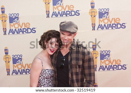 UNIVERSAL CITY, CA - MAY 31, 2009: Actors Ashley Greene and Kellan Lutz arrive at the 2009 MTV Movie Awards held at the Gibson Amphitheatre on May 31, 2009 in Universal City, California.