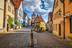 Untere Schmiedgasse street at the old town of Rothenburg ob der Tauber.  Bavaria, Germany