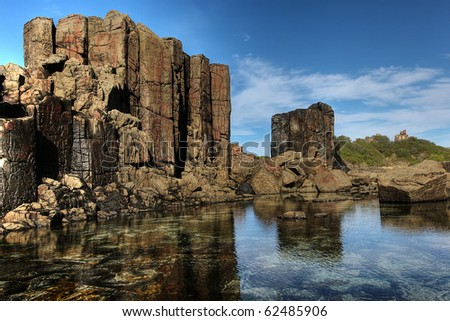 unusual coastal rock formations at kiama