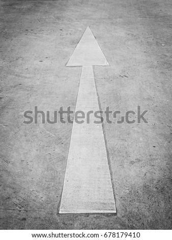 Up Arrow / Straight Arrow #678179410