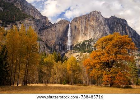 Upper Yosemite Falls from the Yosemite Valley, Yosemite National Park, California, USA