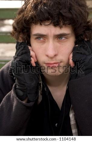 ShutterStock Urban teen listens to music 1104148
