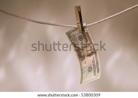 US currency hanging_1