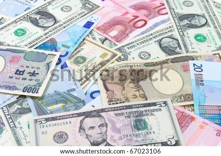 US dollars,Euro,Yen.